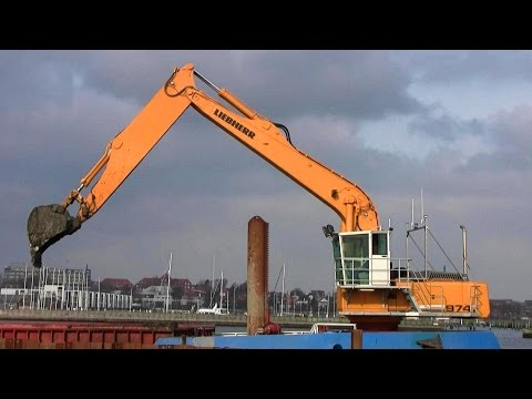 Ship Mounted Liebherr R974C Long Reach Excavator Dredging