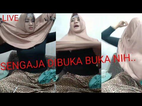 LIVE   MAMAH MUDA KELIATAN JELAS SAAT BUKA HIJAB   LIVE GIRLS ONLINE TRADING