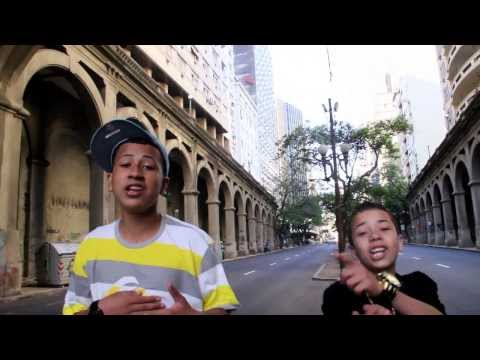 MC BKN E MC DMENOR  - VEM SE JOGANDO - VIDEO CLIP OFICIAL