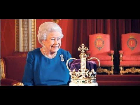 """Elisabeth II. plaudert aus: Die Krönung der Queen war eine """"schreckliche Tortur"""""""