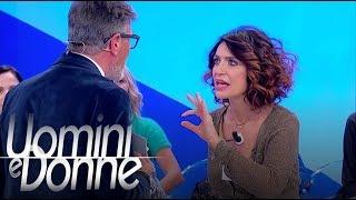 Uomini E Donne, Trono Over - Il Lancio Della Scarpa Di Barbara