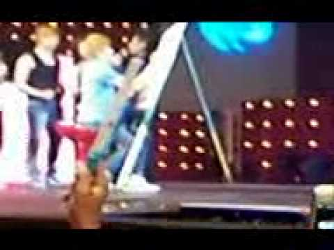 Fun Games With UKISS - Drawing (March 5 2011, Medan, Indonesia)