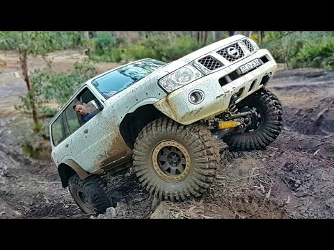 BIG 4x4 Nissan Patrol @ Newnes Powerlines
