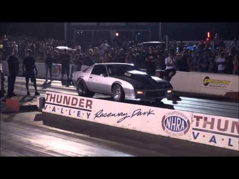 The Silver Unit from Street Outlaws making a pass!
