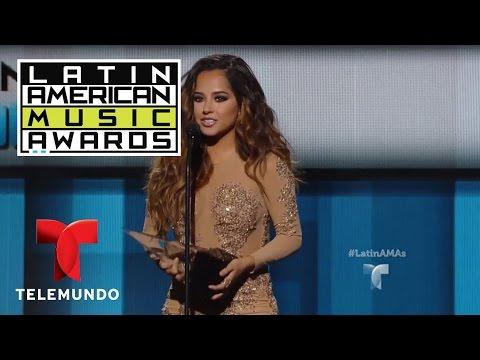 "Becky G arrasa como ""Artista Femenina Favorita Pop/Rock"" en los Latin AMAs 2016 | LAMAS | Entreteni"