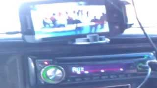 Как подключить мобильный телефон к автомагнитоле с помощью 3,5мм разъёма под наушники.(взаимосвязи мобильного телефона,смартфона с автомагнитоллой. Смотриш фильм через мобильный а звук из..., 2013-11-19T17:37:07.000Z)