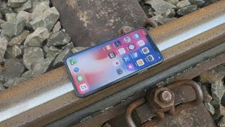 😰😰😰😰😰  iPhone x under the train