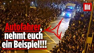 So geht eine Rettungsgasse richtig | Hongkong Proteste