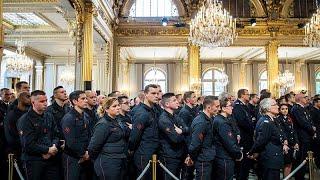 Notre-Dame : l'hommage aux pompiers