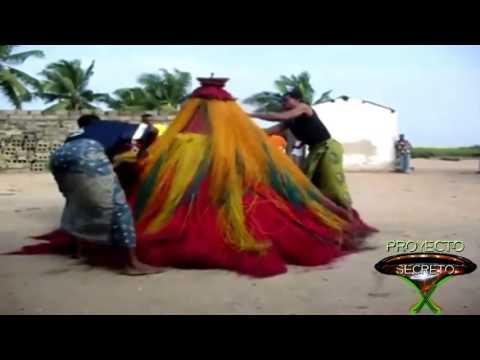 Zangbeto, magia bruxar Fenômeno Sobrenatural   Ritual de Magia em Benin África