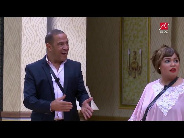 شاهد رد فعل أشرف عبد الباقي عند دخول الميرغني المسرح بفستان