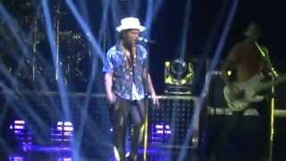 Bruno Mars - Gorilla - Arena Ciudad de México - (02-sep-2014)