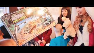 Делай добро. Молодожены подарили в детский дом игрушки, вместо цветов.