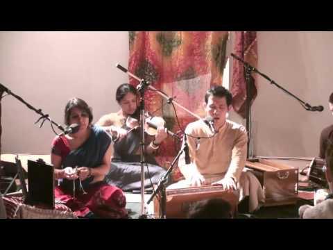 Bhajan @ Chi Yoga - Hari das - Vande Guru Sri Charanara Vindam 1/5
