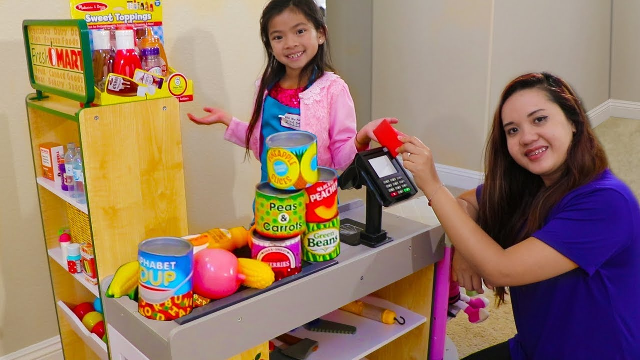 Emma Pretend Play Shopping With Giant Grocery Store Super