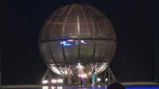 Самый опасный цирковой номер(Цирк в Пекине. Самый опасный номер. Считается, что трюк всего с одним мотоциклистом уже смертельно опасен,..., 2013-06-10T12:21:15.000Z)