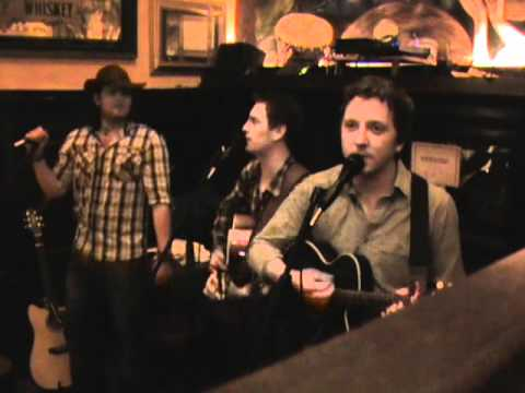 The Rattlin Bog - O'Neills Bar 27-08-11.wmv