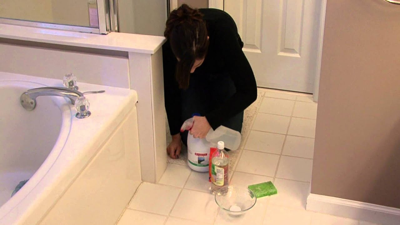 How to keep mold out of bathroom - House Cleaning Stain Removal Removing Mold On Bathroom Caulk Youtube