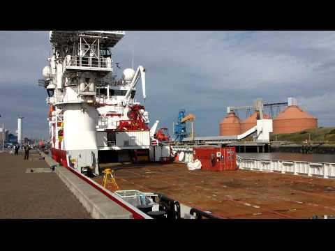 [HD]Oil rig support vessel, Seven Sisters (part 4) at Blyth Northumberland, England, UK, 9/2010