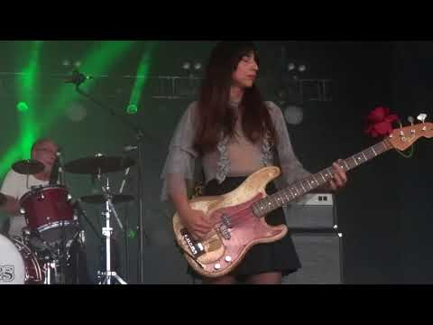 Pixies - Gouge Away Live in The Woodlands / Houston, Texas