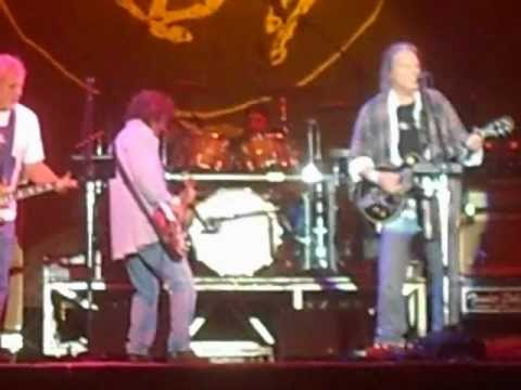 "NEIL YOUNG & CRAZY HORSE ""Ramada Inn"" live 8/10/12"