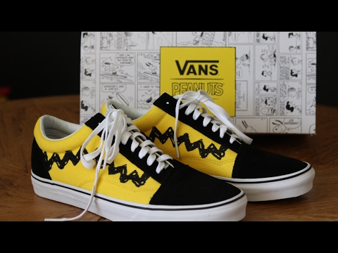 4b8260d5ac5 Vans x peanuts old skool (Charlie brown) unboxing comparison - YouTube