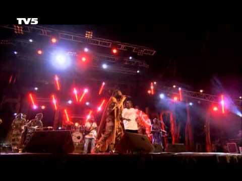 Tiken Jah Fakoly - Africa Live 2005...