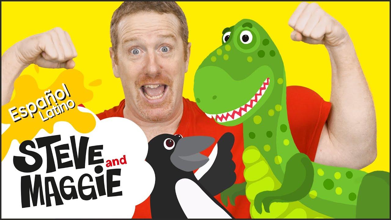 Cazando dinosaurios en la nueva casa de Steve and Maggie Español Latino | Video para niños
