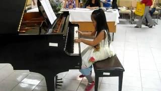 Bạn Thỏ học piano - Mary has a little lamb + Flying stars