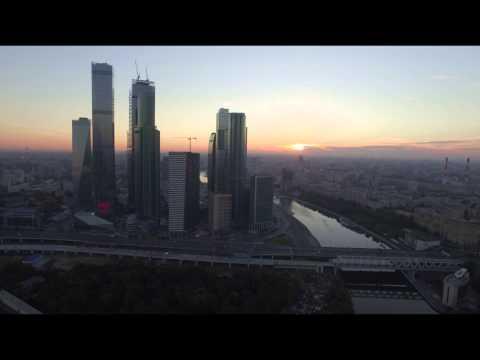 Москва-сити утром с высоты птичьего полета / A Bird's-eye View Of Moscow-City