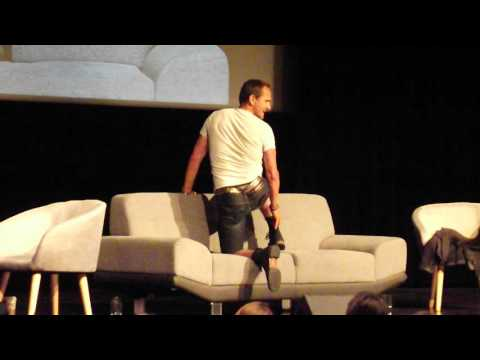Sebastian Roché dancing at the FHTH con