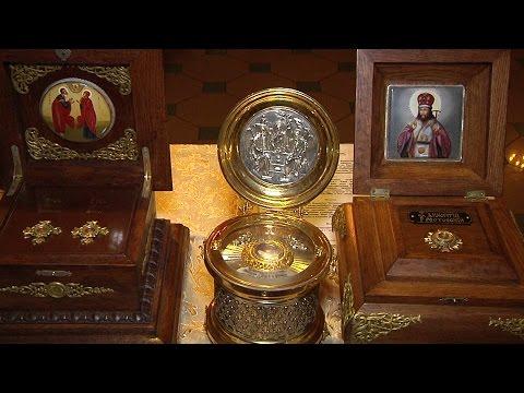 Мощи родителей Богородицы в храме Афанасия и Феодосия