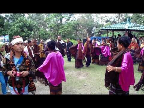 Upacara Adat Tarian Mande Pa'u Suku Lio Danau Kelimutu Ende