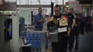 за 156 секунд вынес из магазина все что хотел или смог)(Победителю конкурса предоставили возможность выбрать бесплатно все что он успеет в магазине электроники...., 2013-02-23T11:02:48.000Z)