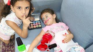 سوار مكيجت ماسة وهي نايمة | sewar plays with Nail polish for kids | Pretend Play Painting Nails w