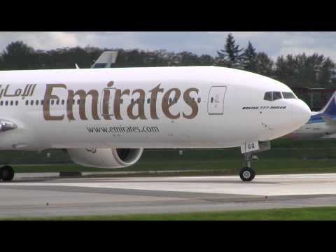 Emirates 777 Taxi Test