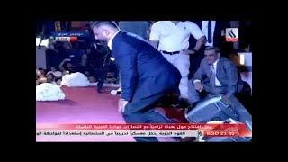 شاهد حسام الرسام يبكي (يبجي) بعد القائة موال على العراق لايفوتك في افتتاحية مول بغداد  شوف الوصف