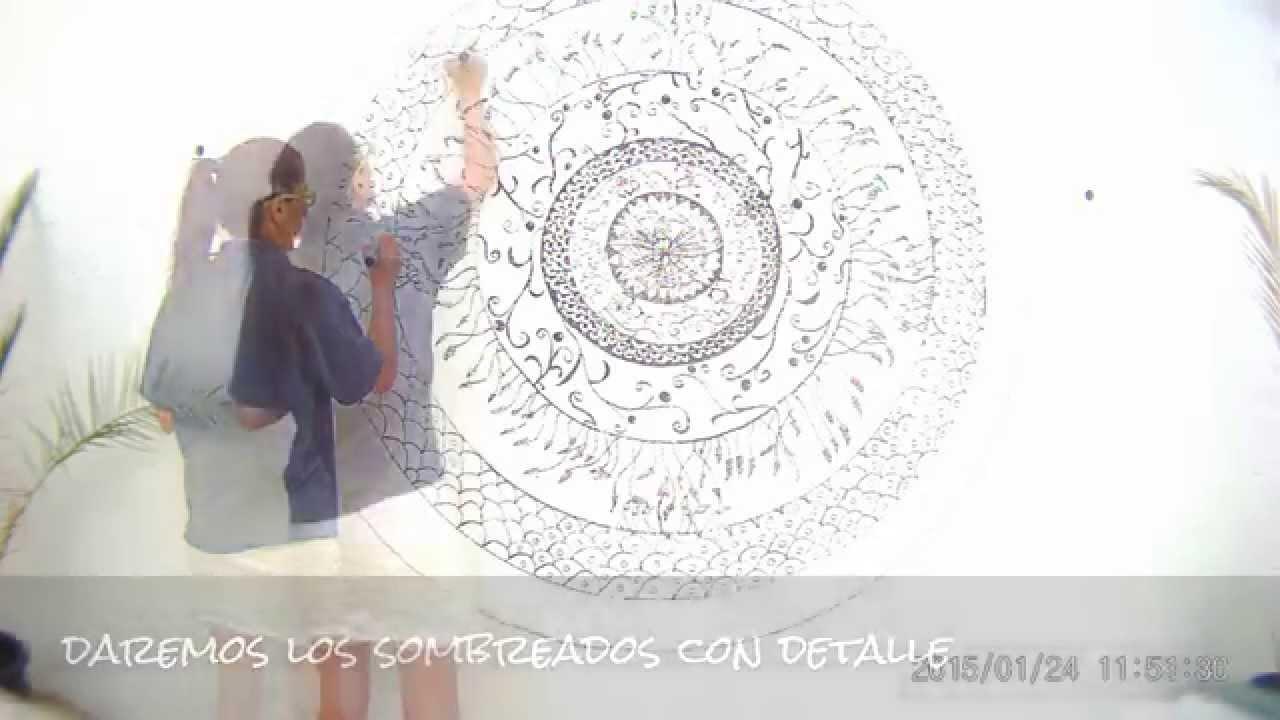 Mandala graffiti sobre pared 2 parte youtube for Mandalas de decoracion para pared