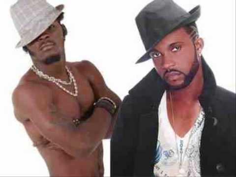 Fally Ipupa et Arafat DJ- bisou