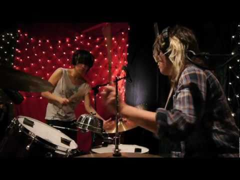 Thao & Mirah - Little Cup (Live on KEXP)