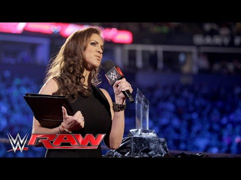 Stephanie McMahon finally delivers her Legacy of Excellence Award speech: Raw, February 29, 2016 thumbnail