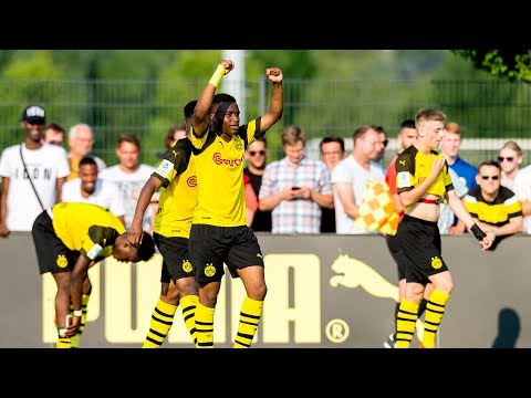 Moukoko scores twice! | BVB vs. Wolfsburg 4-1 | Highlights | Semi-Final - Under 17's Championship