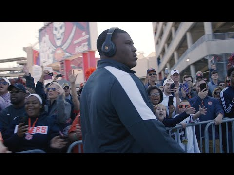 Watch Auburn's Final Tiger Walk Of Season Prior To Outback Bowl In Tampa