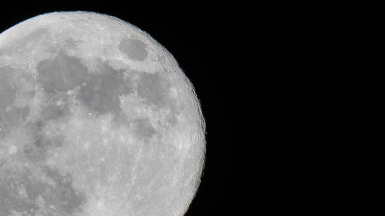 Moon shot with Panasonic G9 + MTO-1000