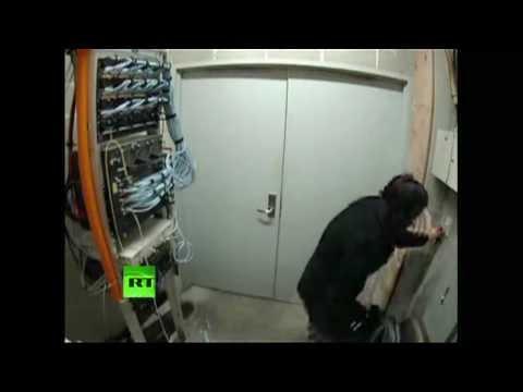 MIT surveillance video that led to Aaron Swartz's arrest