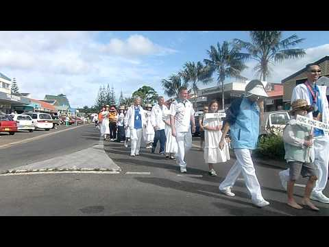 Openingceremony in the street on Norfolk island