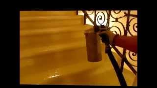 видео Чем реставрировать старую лестницу?
