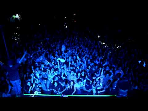 Major Lazer playing Levels @ UCR's Heat Music Festival 2012 (HD)