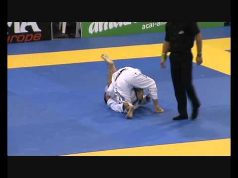 European BJJ 2013 Final Black Belts Mullins vs Shibamoto Rooster weights
