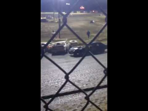 Tommy Romine wreck at Outlaw Motor Speedway Fall Fling